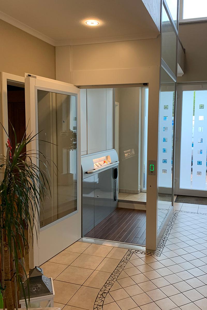 Barrierfreiheit im Einfamilienhaus durch Aufzug